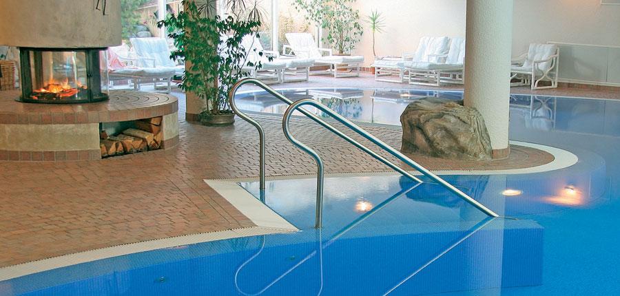 Switzerland_Saas-Fee_Hotel-Ferienart-resort-spa_Indoor-pool3.jpg